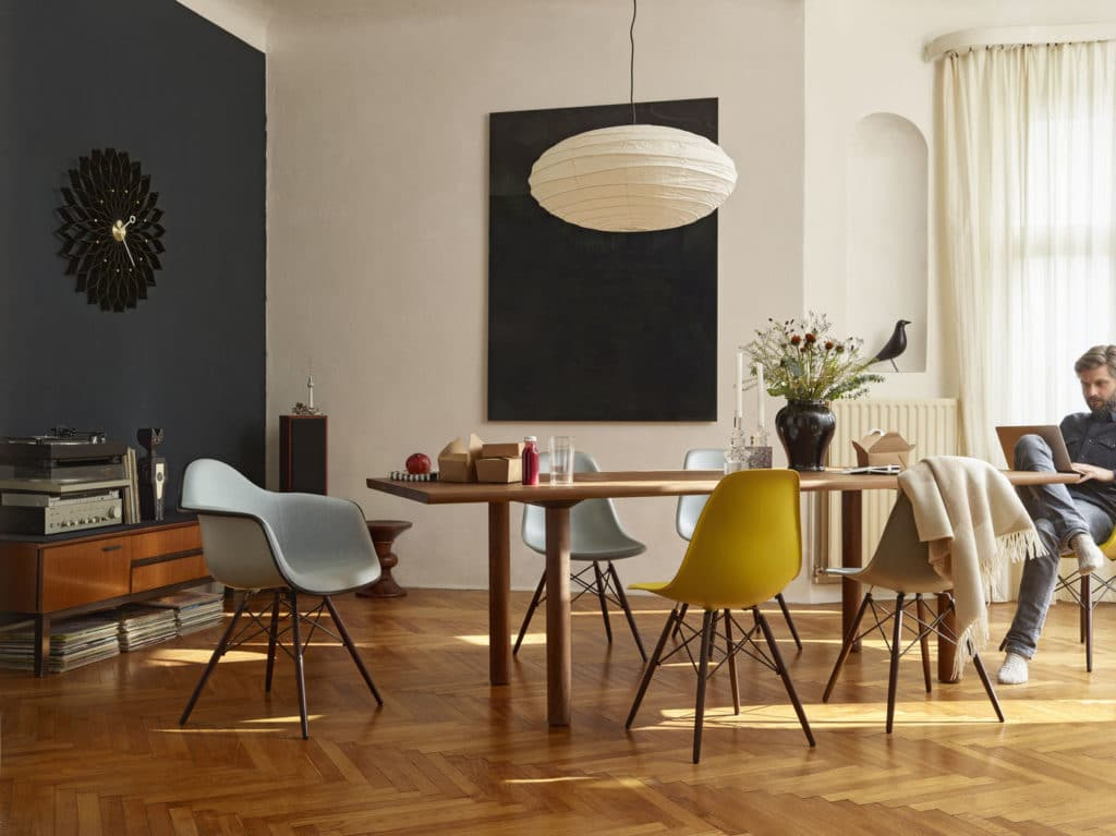 VITRA Eames Plastic Chair « SANVIDO PROGETTI – Torino
